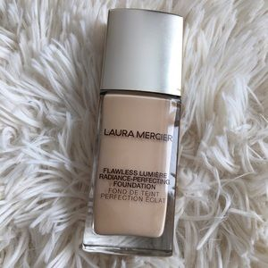 Laura Mercier Flawless Lumière Radiance Foundation
